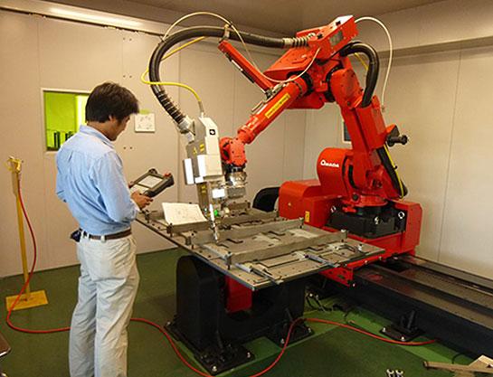 6軸多関節溶接ロボットを3台所有 自動化による高い生産性を実現