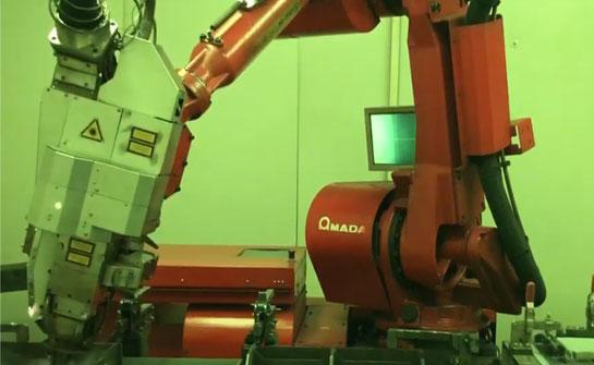 ファイバーレーザー溶接ロボットとは?