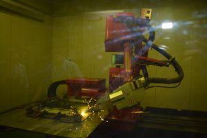 6軸多関節ロボットによる高速溶接